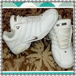 {Nike} white Airliner walk/athletic shoes, sz 8.5